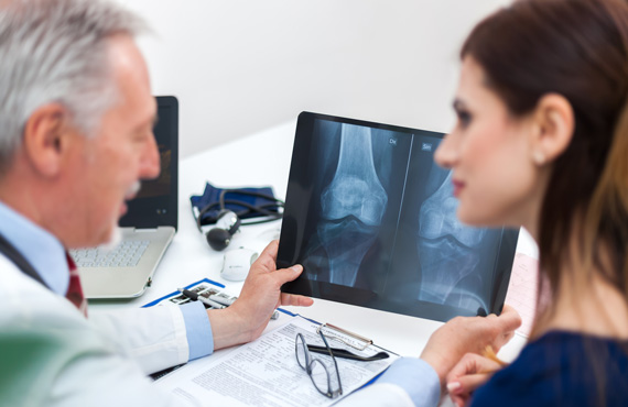 Orthopaedics doctor consultation